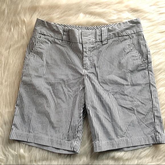 Tommy Hilfiger Pants - Tommy Hilfiger 6 Bermuda seersucker shorts